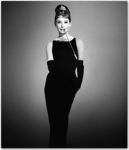 audrey-hepburn-little-black-dress-breakfast-at-tiffanys